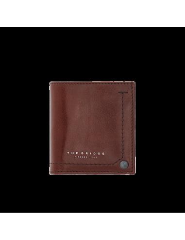 dfef1272c9 Piccolo portafogli,portamonete e portacarte di credito della collezione  Kallio di The Bridge,realizzato nel classico cuoio simbolo di tradizione e  qualità ...