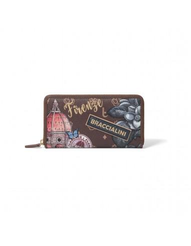 Women's wallet with zip closure...